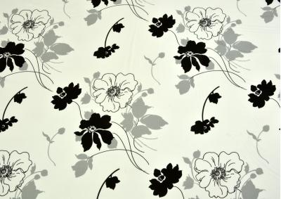 8-dílné povlečení s polštářky Černé kvítky na bílém (bavlna LUX)