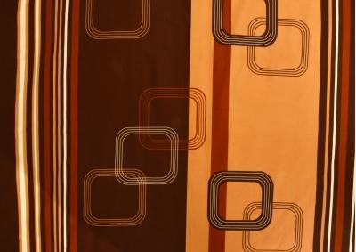 Tmavě hnědé kostky bavlna lux metráž