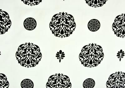 Bavlněný satén Bílá s černým ornamentem