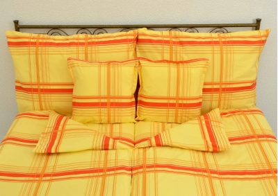 8-dílné povlečení s polštářky Oranžový proužek (bavlna LUX)