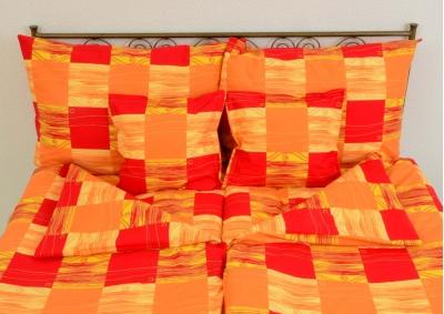 8-dílné povlečení s polštářky Červenooranžové kostky(bavlna LUX)